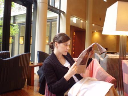 Bei Bewölkung lässt es sich dafür umso gemütlicher in der Hotel Lounge beim offenen Feuer Zeitung lesen.