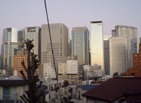 Auf dem Rückweg zum Bahnhof. Skyline von Shinagawa (am südlichen Rand des Zentrums von Tokyo).